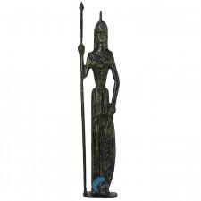 Αθηνά η θεά της σοφίας, κρατάει την ασπίδα και το δόρυ της