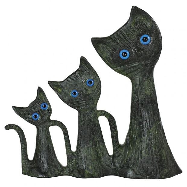 Complex of Three Cats